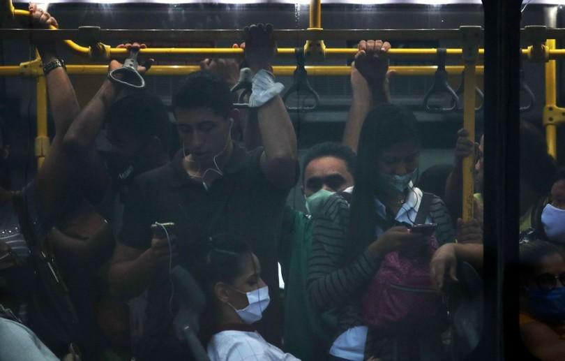Mais de 70% dos brasileiros acham que pandemia piorou, revela pesquisa
