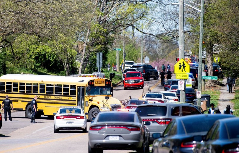 Tiroteio em escola do Tennessee deixa 1 morto e policial ferido