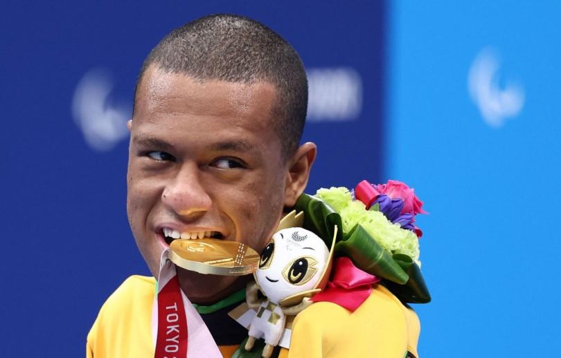 Gabrielzinho garante 2º ouro na Paralimpíada, agora nos 50m costas