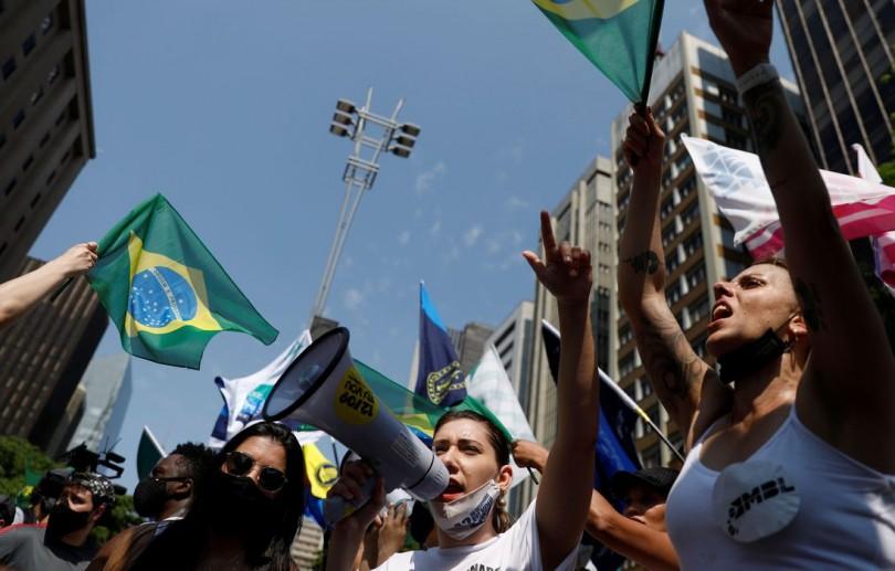 Capitais registram manifestações contra o governo federal
