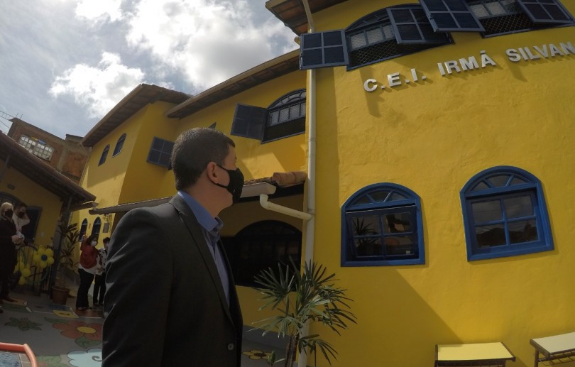 Na Comunidade do Neylor, prefeito interino Hingo Hammes entrega CEI Irmã Silvana reformado e ampliado