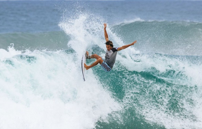 Revelações no surfe superam favoritos em duelos brasileiros no México