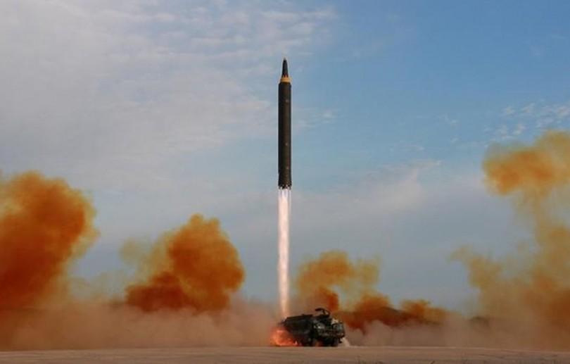 Coreia do Norte lança míssil balístico a partir de sistema ferroviário