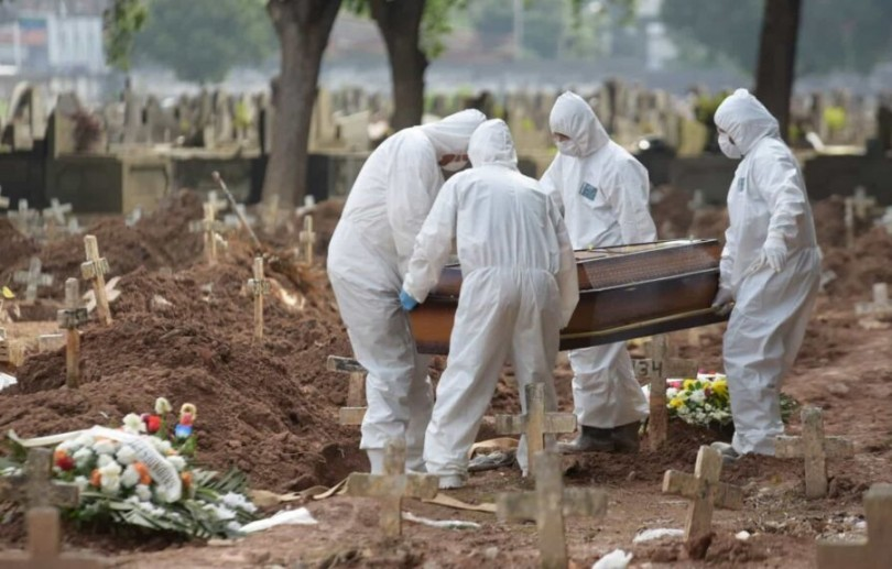 Brasil atinge 400 mil mortes pela covid-19