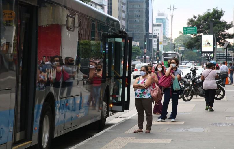 SP deve aumentar frota de ônibus para reduzir aglomerações