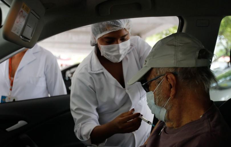 Rio: idosos que se vacinaram em fevereiro podem tomar dose de reforço